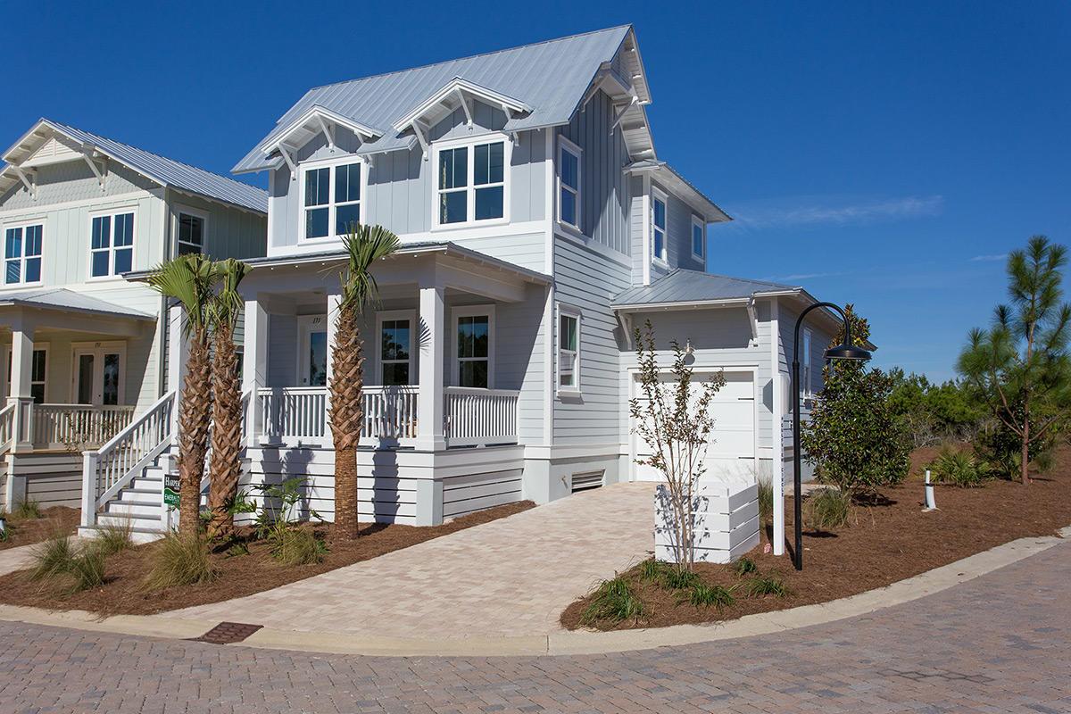 Photo of home for sale at 128 Emerald Beach, Santa Rosa Beach FL