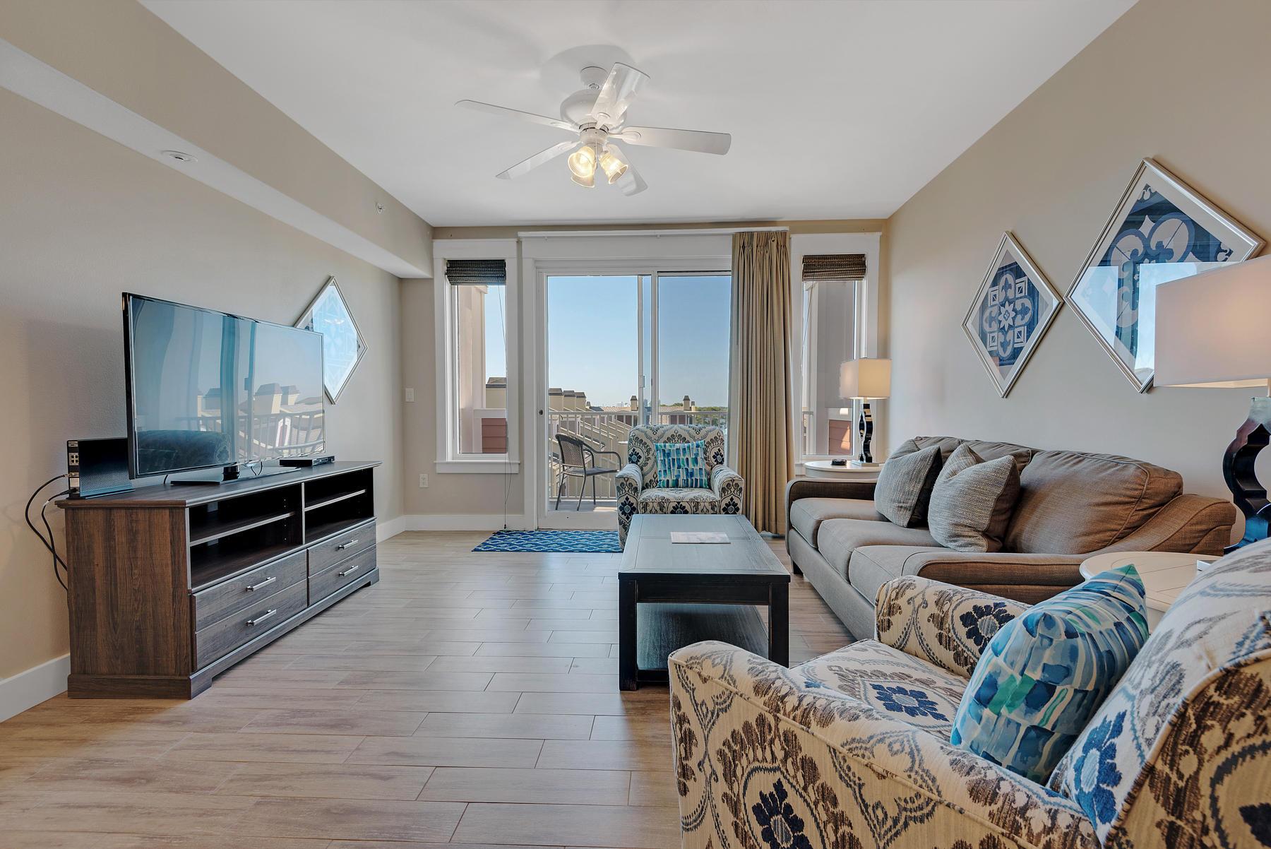 Photo of home for sale at 9200 Baytowne Wharf, Miramar Beach FL