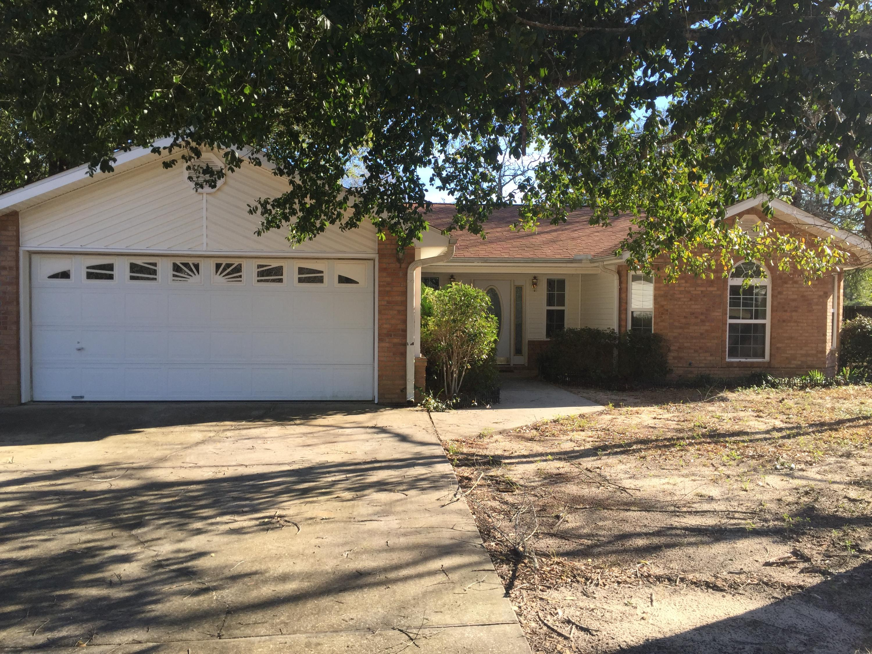 Photo of home for sale at 2900 Orchidcrest, Crestview FL