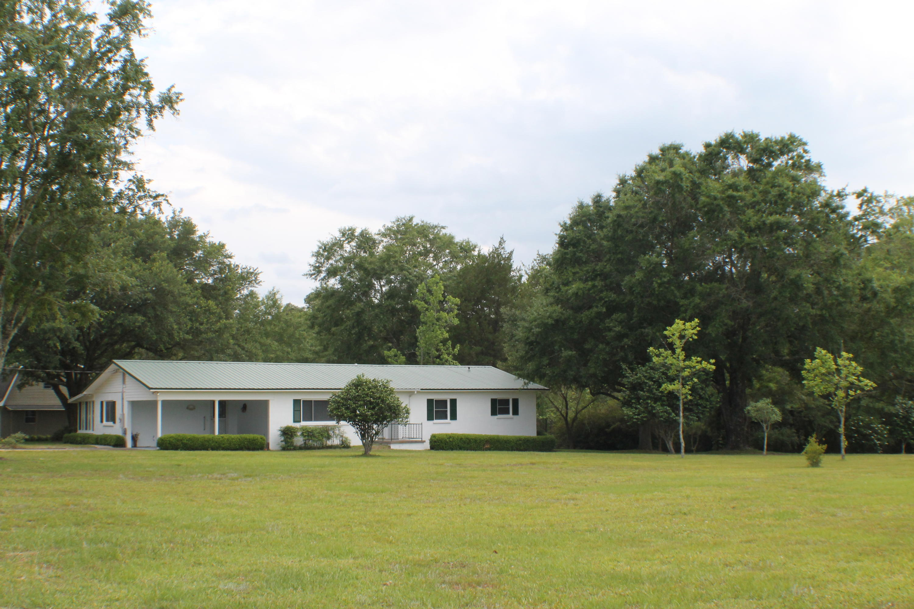 Photo of home for sale at 6416 Bill Lundy, Laurel Hill FL