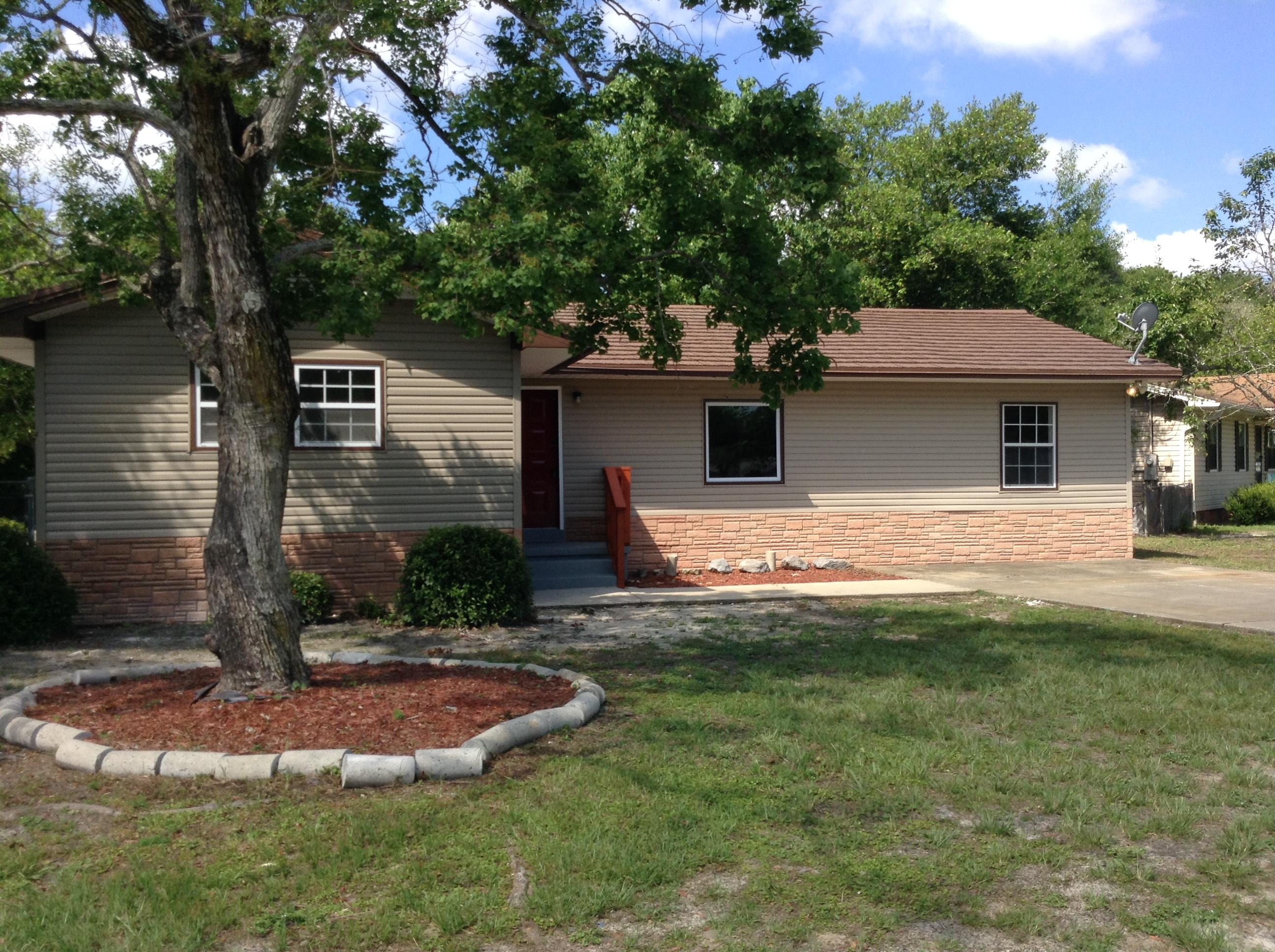 Photo of home for sale at 212 Katherine, Fort Walton Beach FL