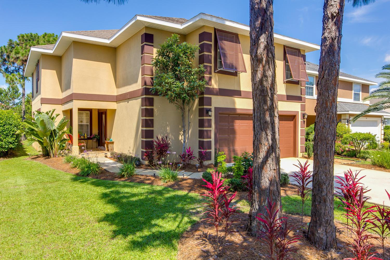 Photo of home for sale at 240 Apopka Cove, Destin FL