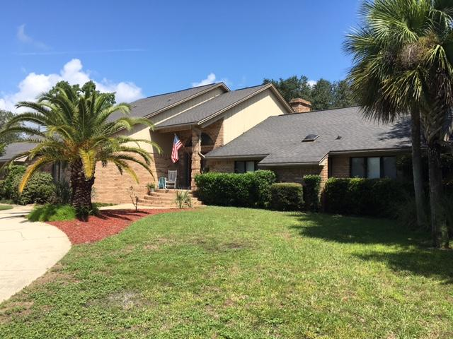 Photo of home for sale at 728 Bayou, Destin FL