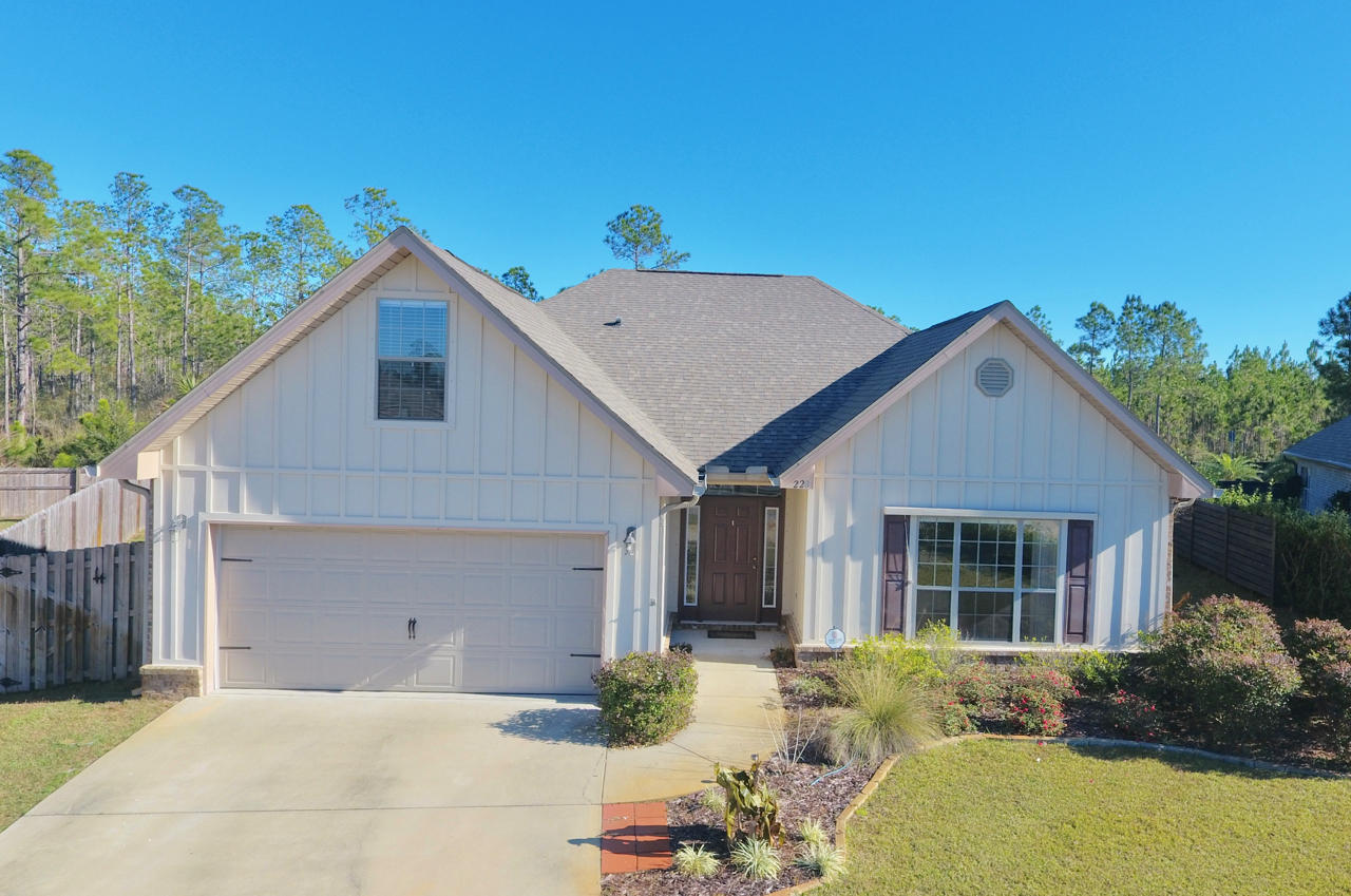Photo of home for sale at 220 Whispering Lake, Santa Rosa Beach FL