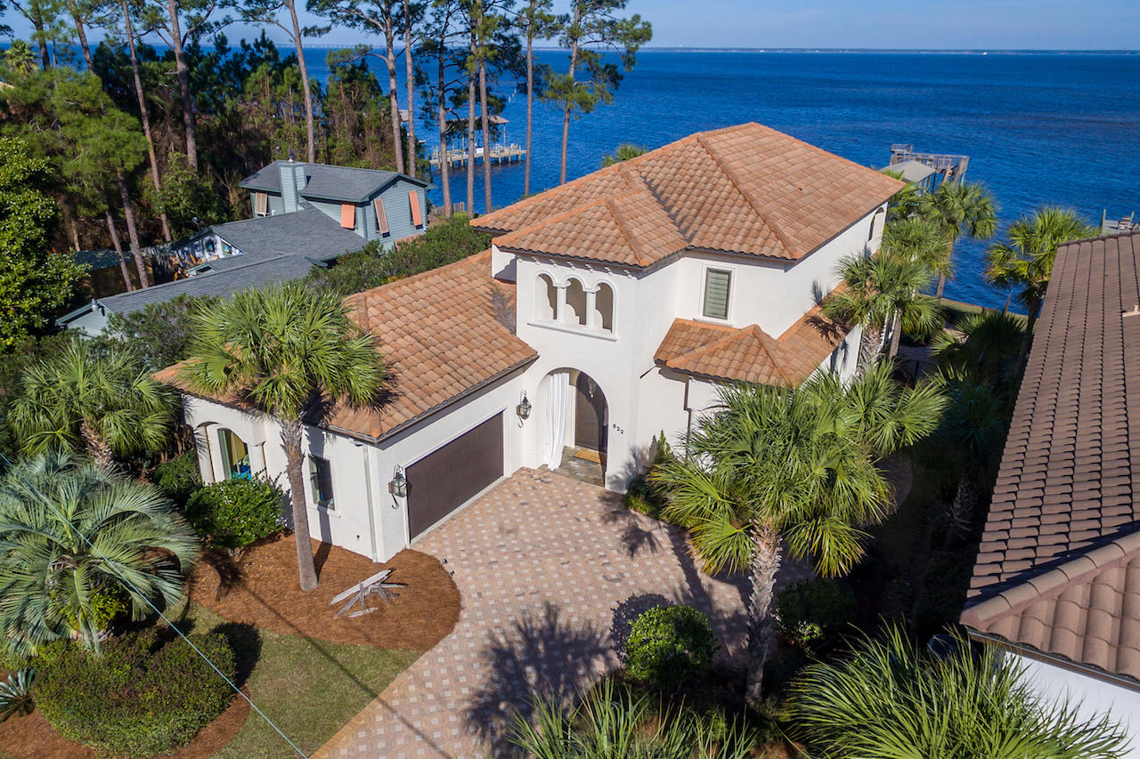 Photo of home for sale at 622 Bayshore, Miramar Beach FL