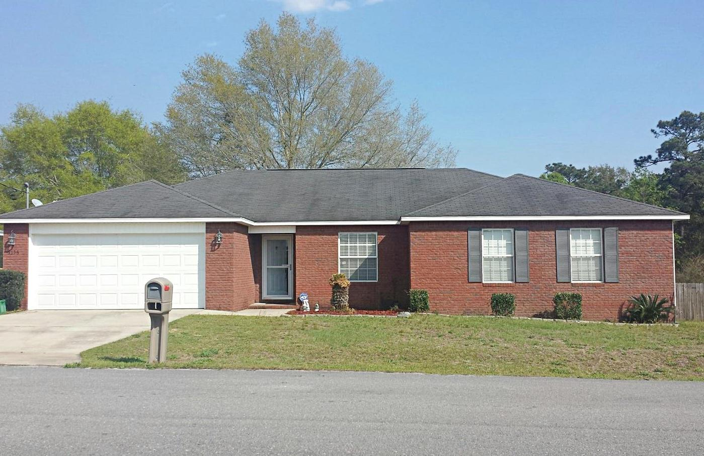 Photo of home for sale at 3136 Skyhawk, Crestview FL