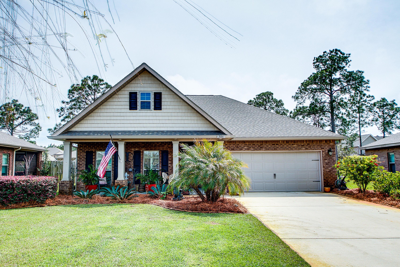 Photo of home for sale at 386 Pin Oak Loop, Santa Rosa Beach FL