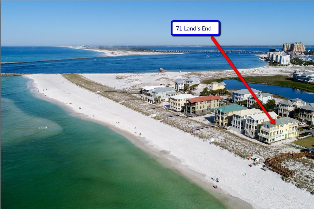 Photo of home for sale at 71 Lands End, Destin FL