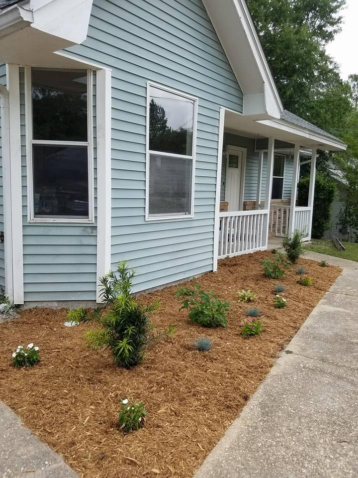 Photo of home for sale at 3355 Shoal Creek, Crestview FL