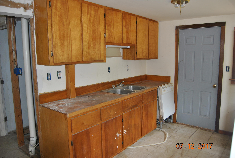Photo of home for sale at 454 Van Buren, Defuniak Springs FL