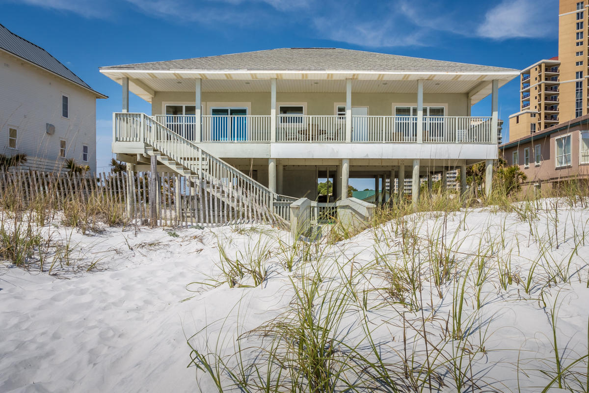 135 E BEACH, MIRAMAR BEACH, FL 32550
