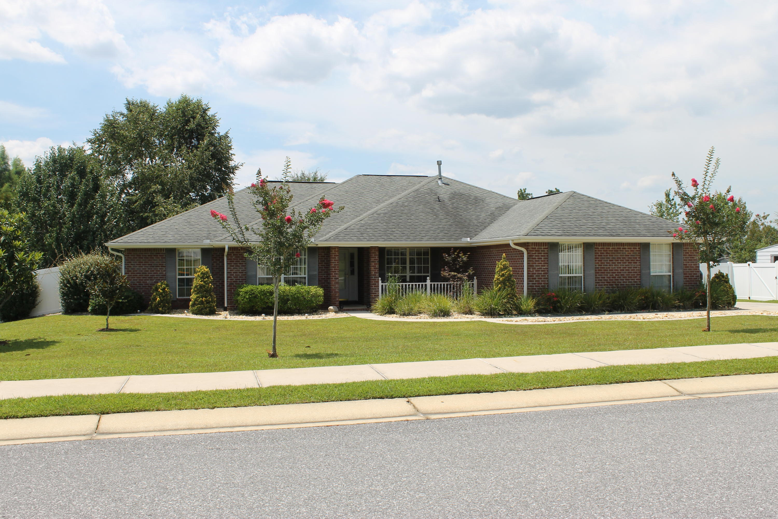 Photo of home for sale at 2643 Paddock, Crestview FL