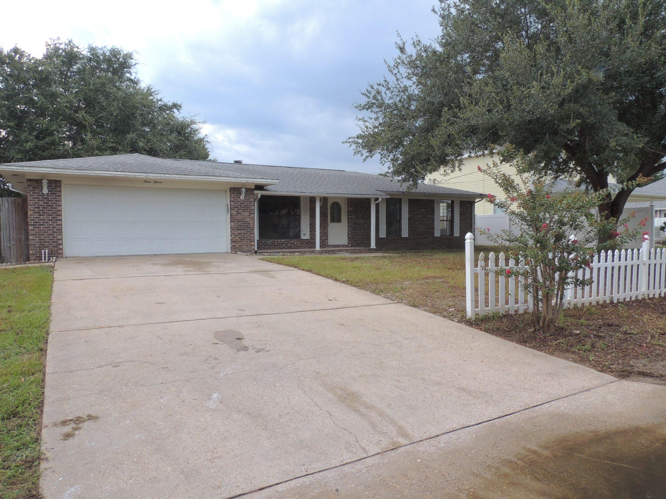 Photo of home for sale at 315 Juniper, Destin FL