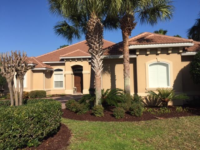 Photo of home for sale at 492 Regatta Bay, Destin FL