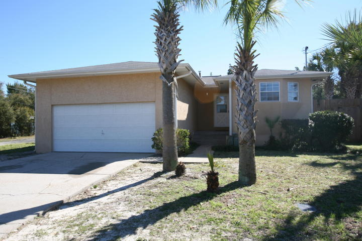 Photo of home for sale at 301 Sundial, Panama City Beach FL