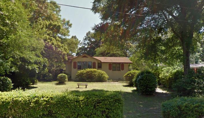 Photo of home for sale at 1277 Bayshore, Valparaiso FL