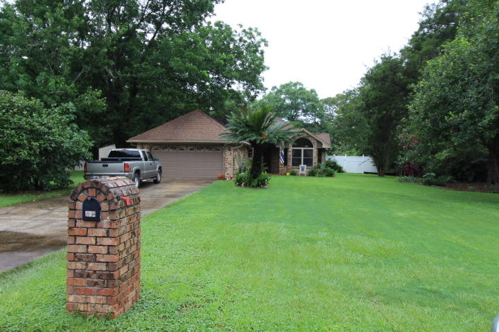 Photo of home for sale at 112 Dogwood, Crestview FL
