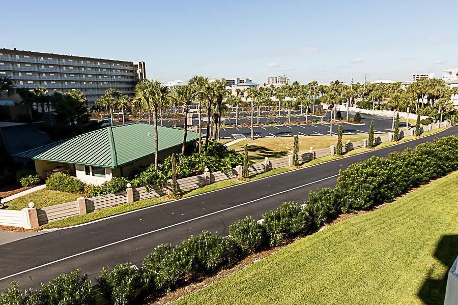 Photo of home for sale at 506 Gulf Shore, Destin FL
