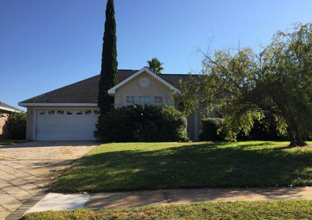 Photo of home for sale at 31 Heron Pointe, Destin FL