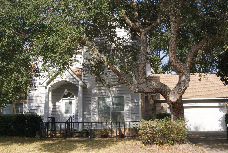 Photo of home for sale at 2813 Arnold Palmer, Shalimar FL