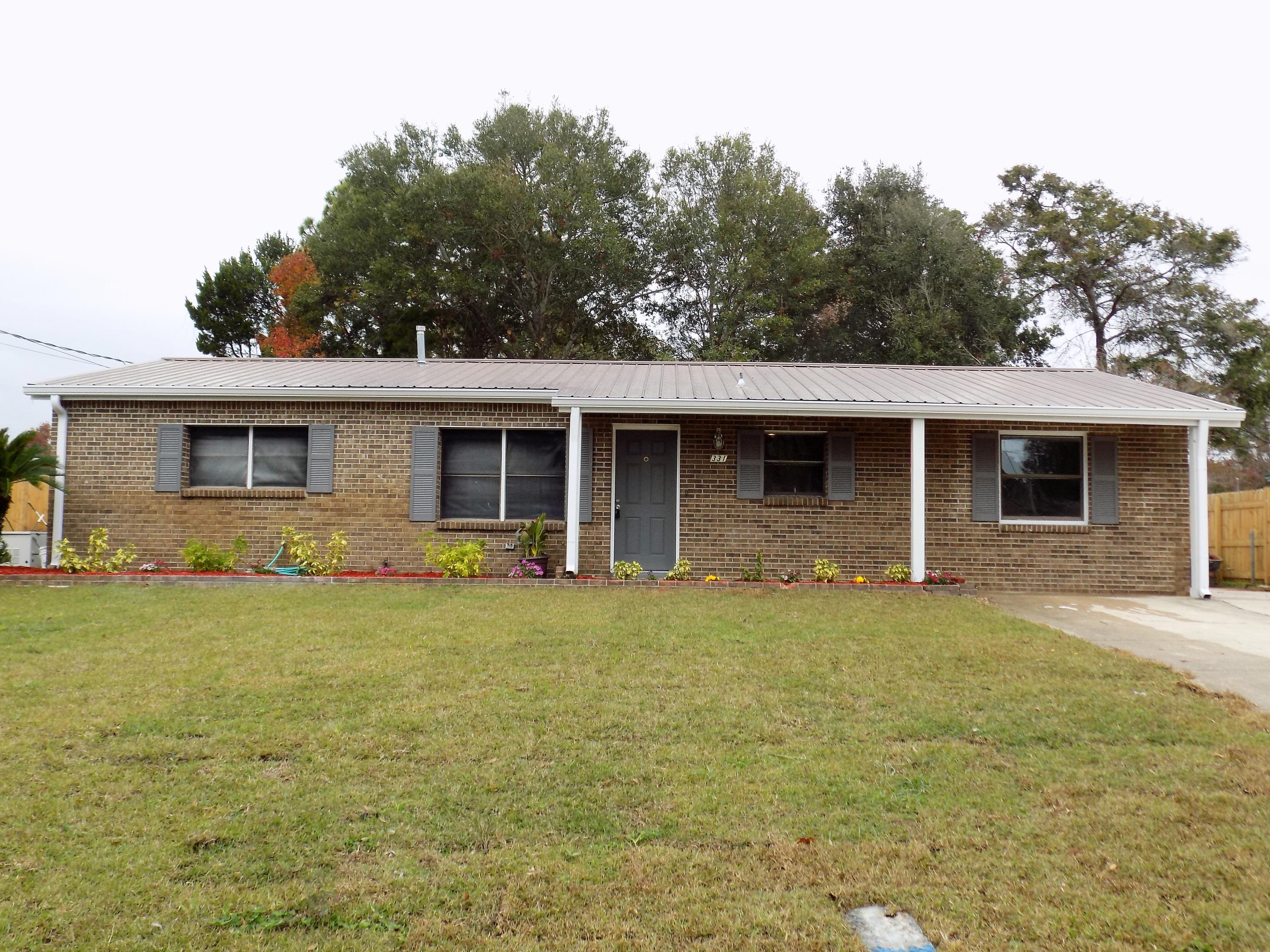 Photo of home for sale at 331 Linda Ln Nw, Fort Walton Beach FL