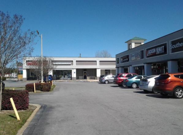 Photo of home for sale at 2221 Ferdon, Crestview FL