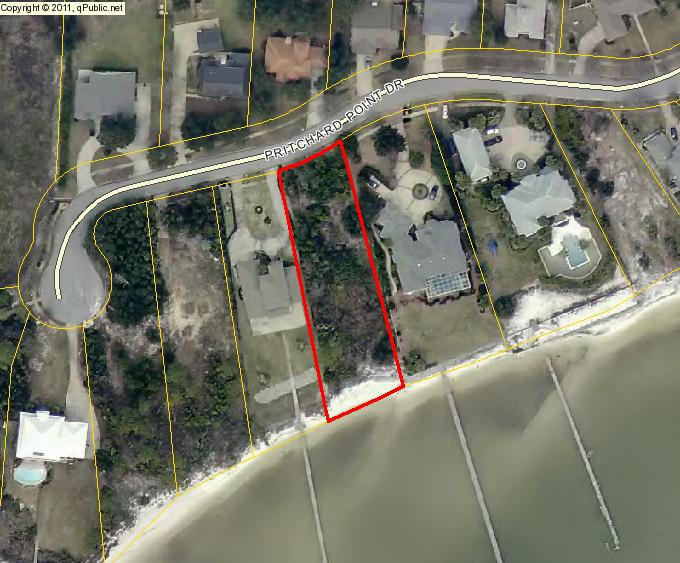 Photo of home for sale at 2016 Pritchard Point, Navarre FL