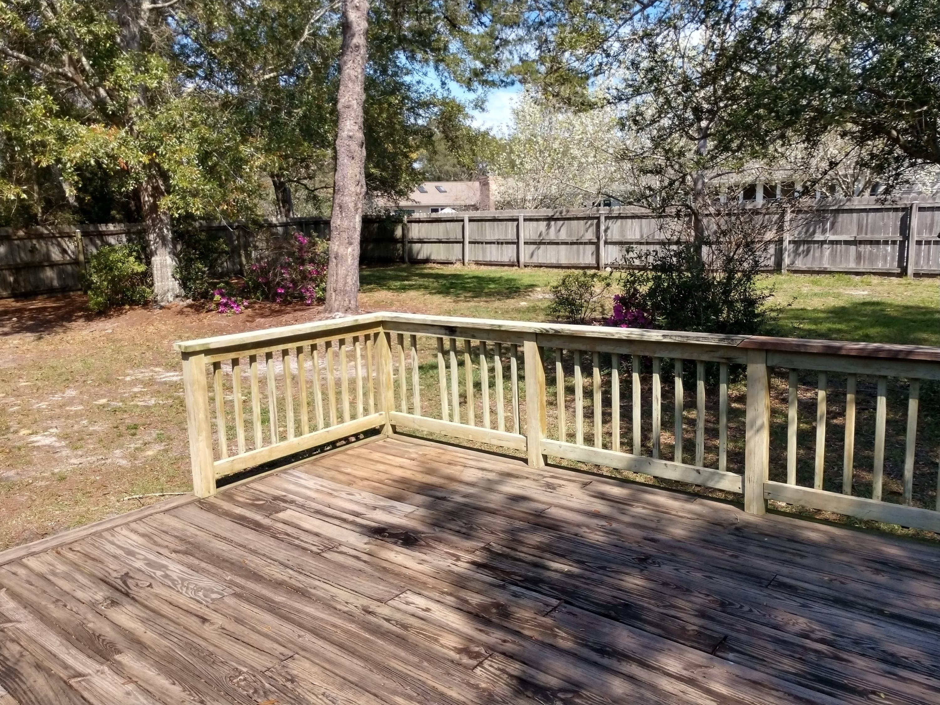 Photo of home for sale at 941 Ridgewood, Niceville FL