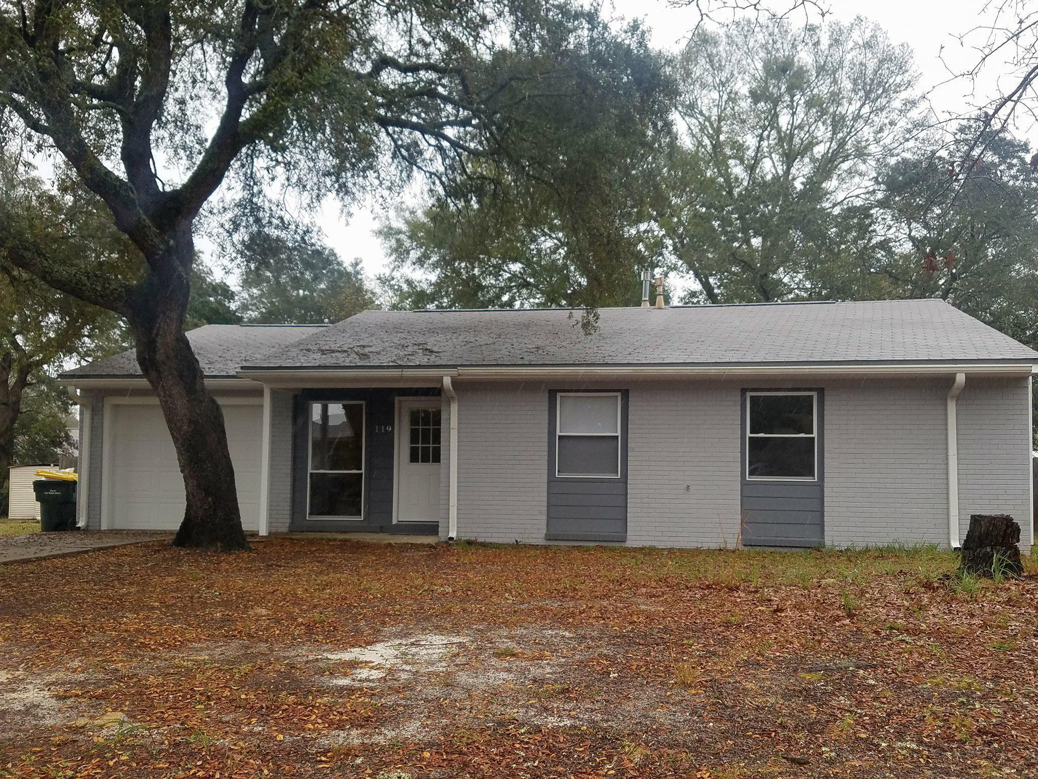 Photo of home for sale at 119 Benarr, Fort Walton Beach FL