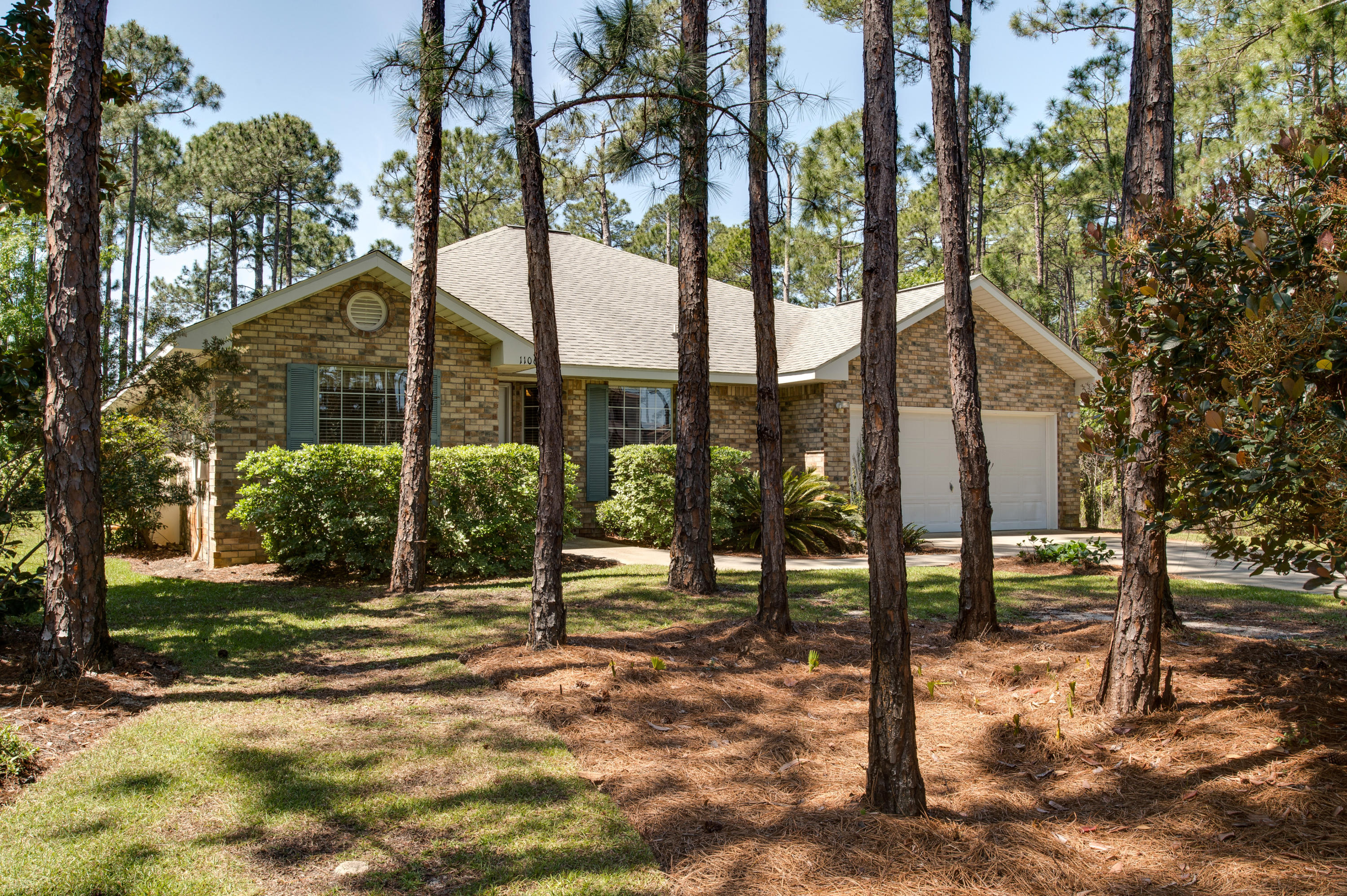 Photo of home for sale at 1106 Driftwood Point, Santa Rosa Beach FL