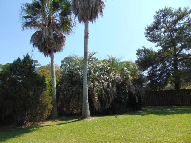 Photo of home for sale at 20 Indian Bayou, Destin FL