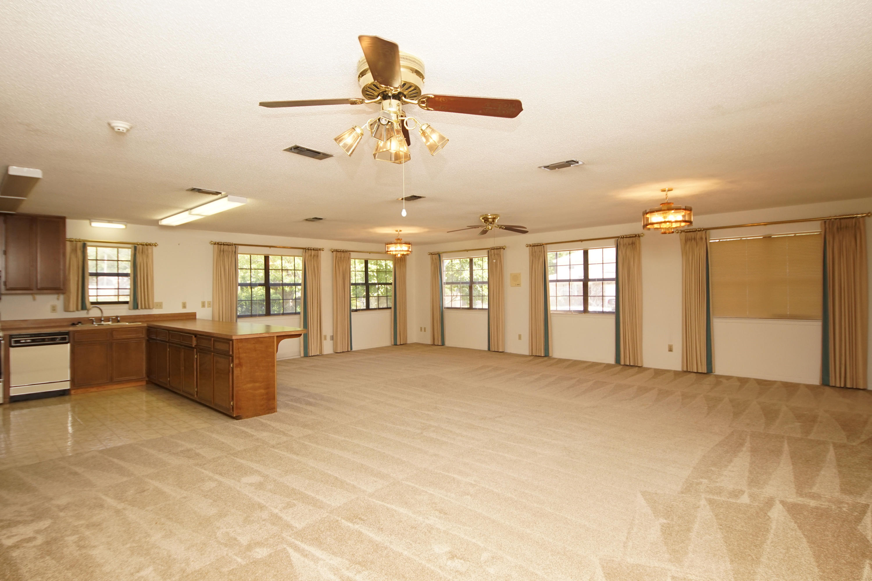 Photo of home for sale at 728 Dubois, Fort Walton Beach FL