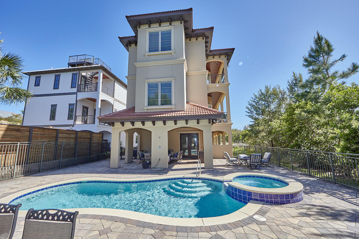 Photo of home for sale at 60 Grande, Santa Rosa Beach FL