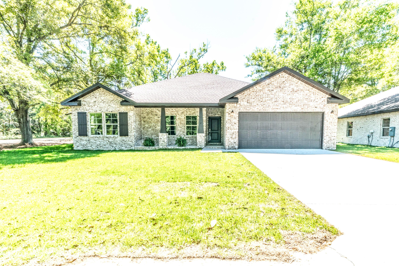 Photo of home for sale at 27 Reddin Brunson, Destin FL