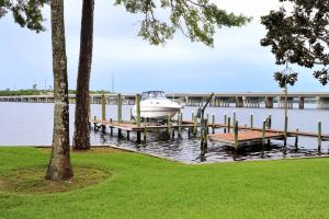 Property for sale at 2504 Edgewater Drive, Niceville,  FL 32578
