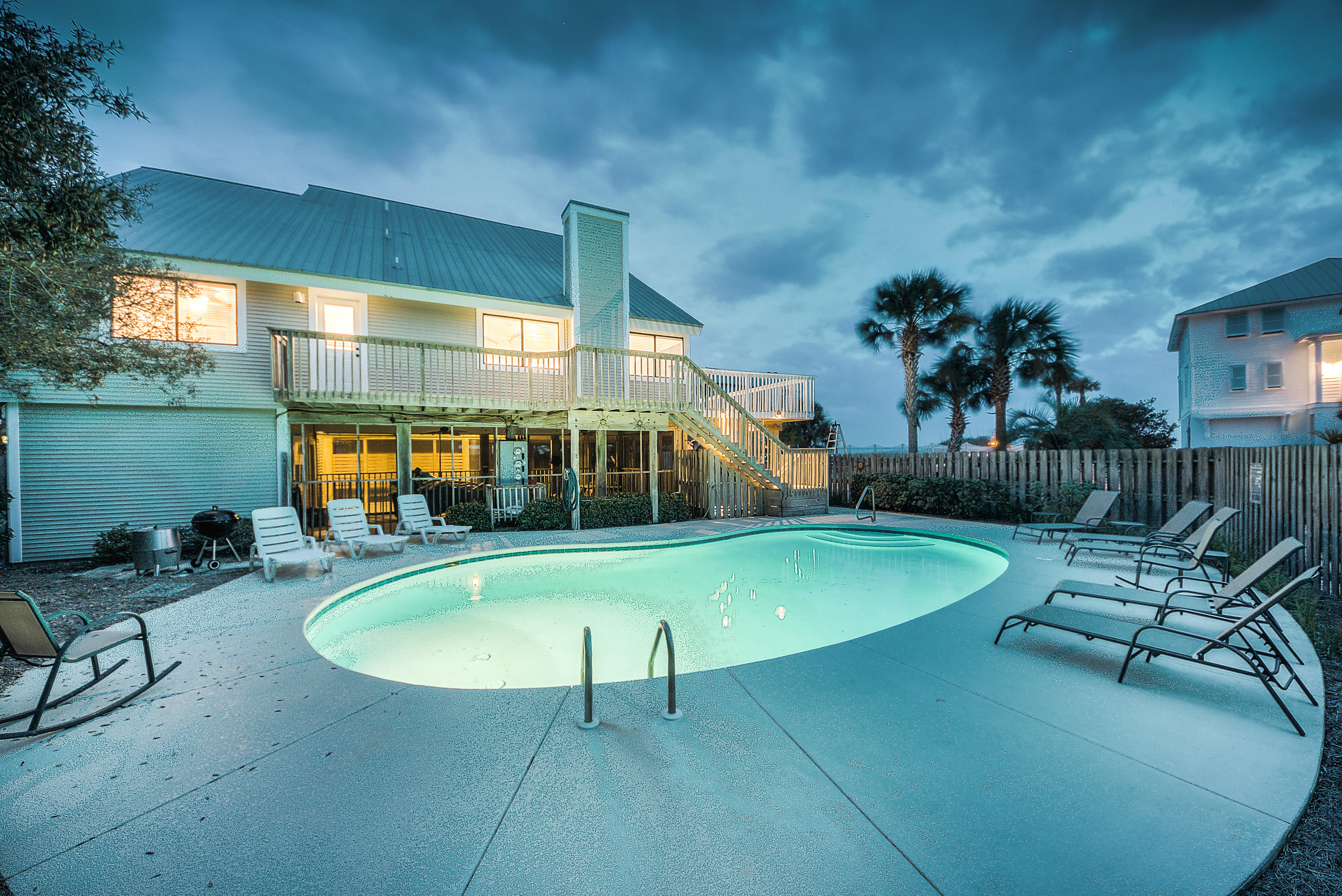 A 5 Bedroom 4 Bedroom Gulf Trace Townhome