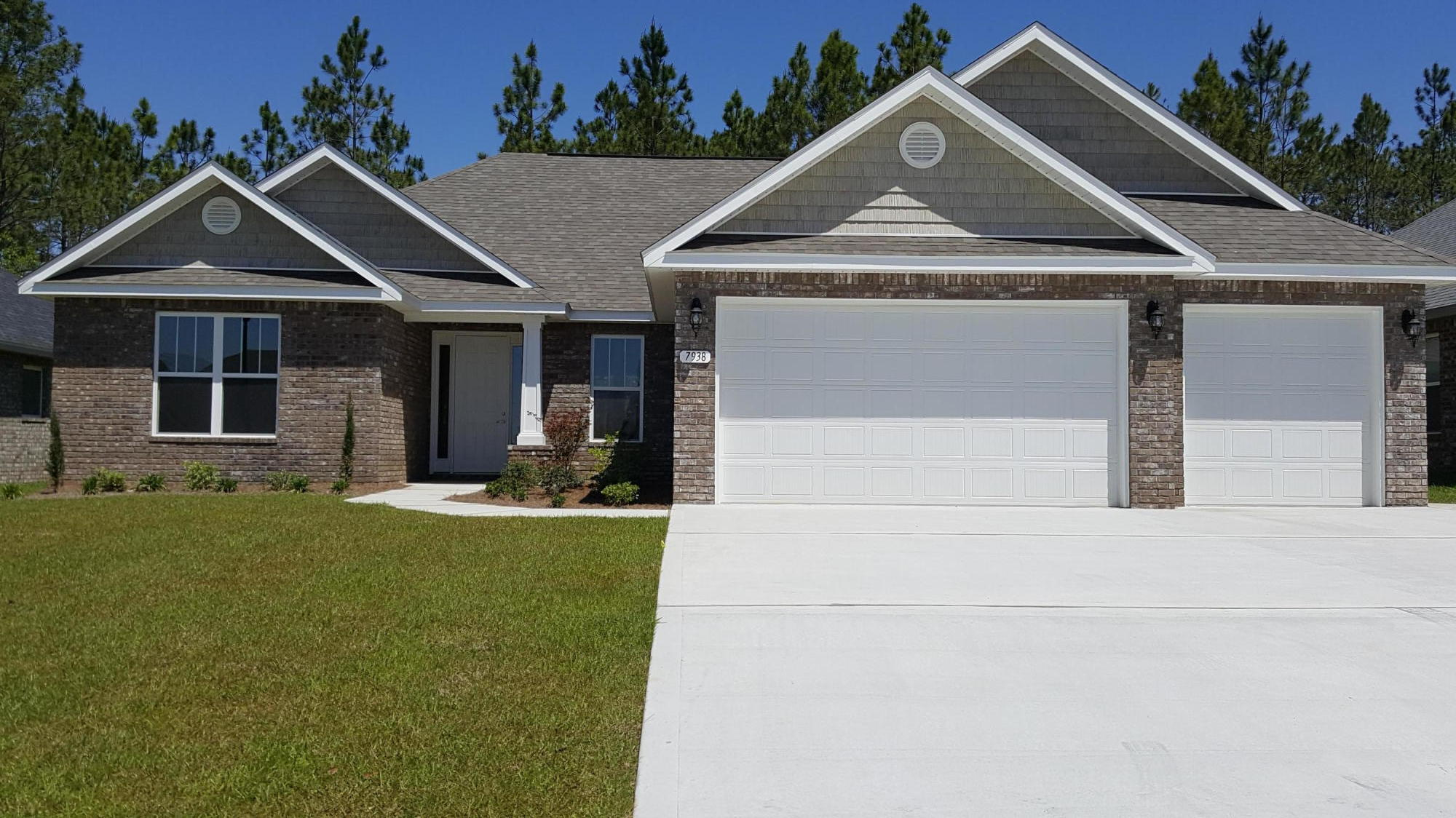 Photo of home for sale at 7938 Majestic Cypress, Milton FL