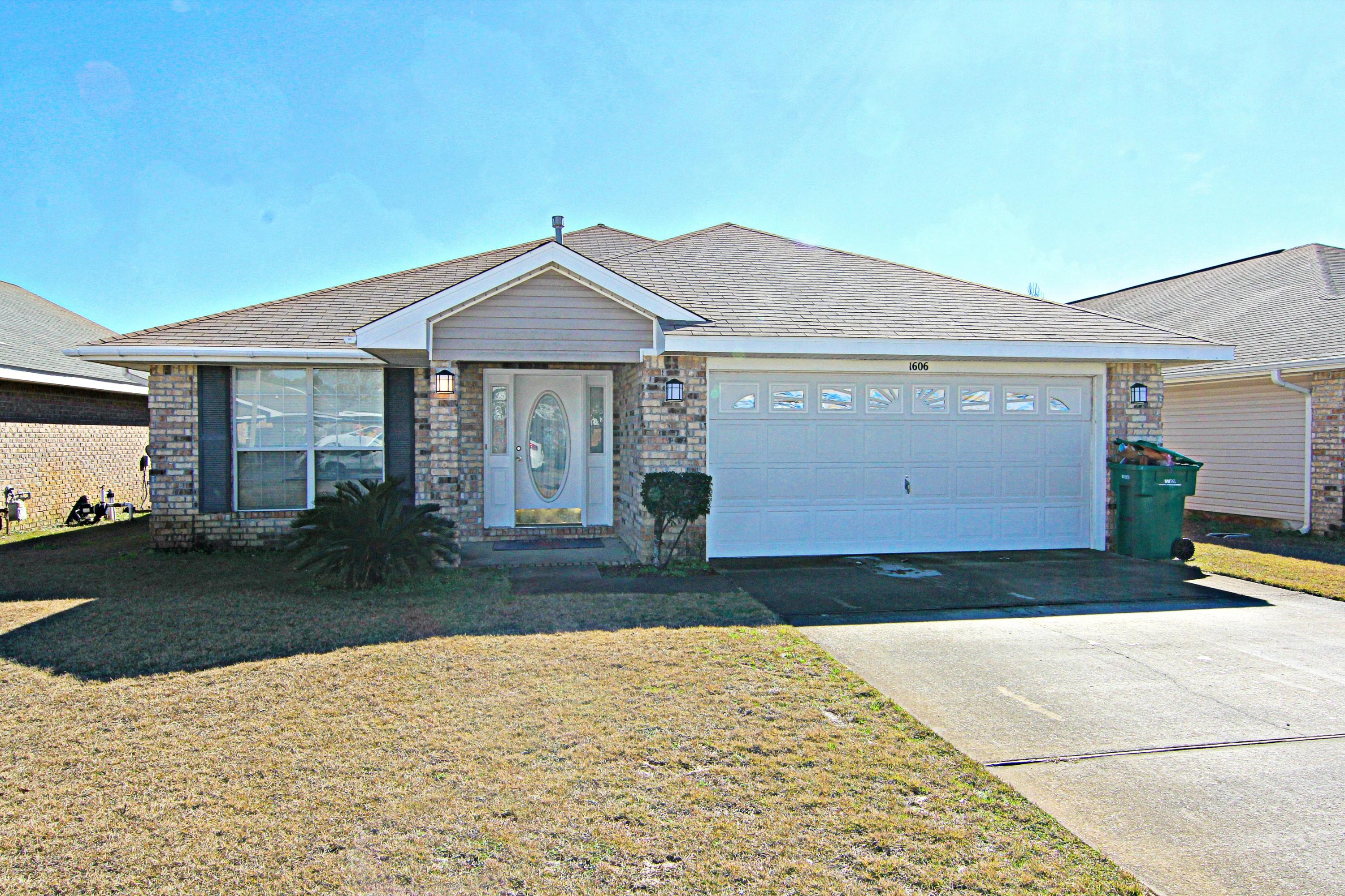 Photo of home for sale at 1606 Ella Ruth, Fort Walton Beach FL