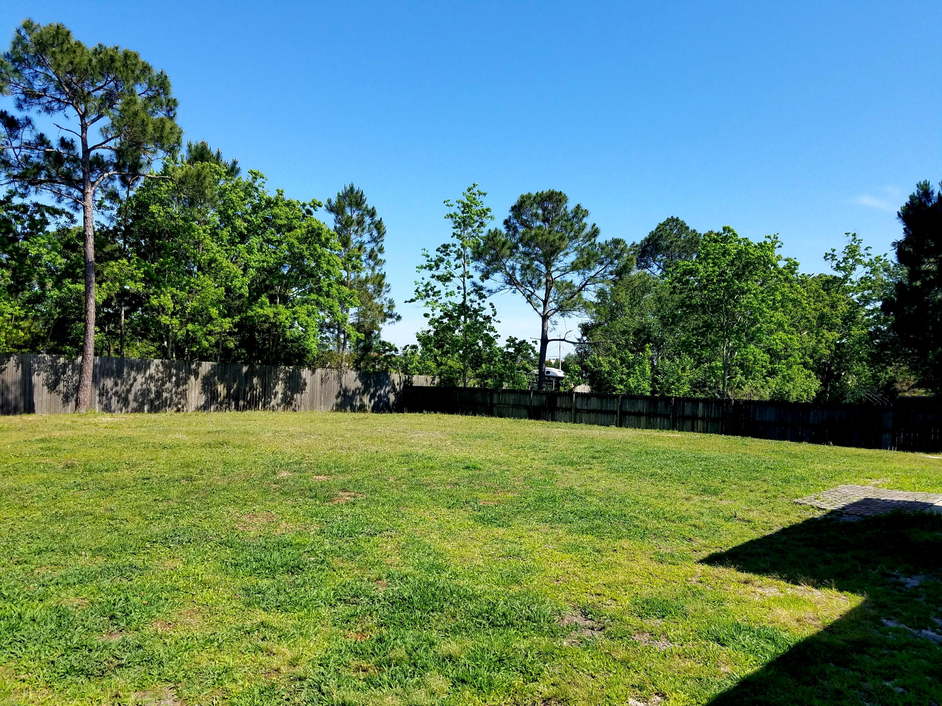 Photo of home for sale at 1836 Sunrise, Navarre FL