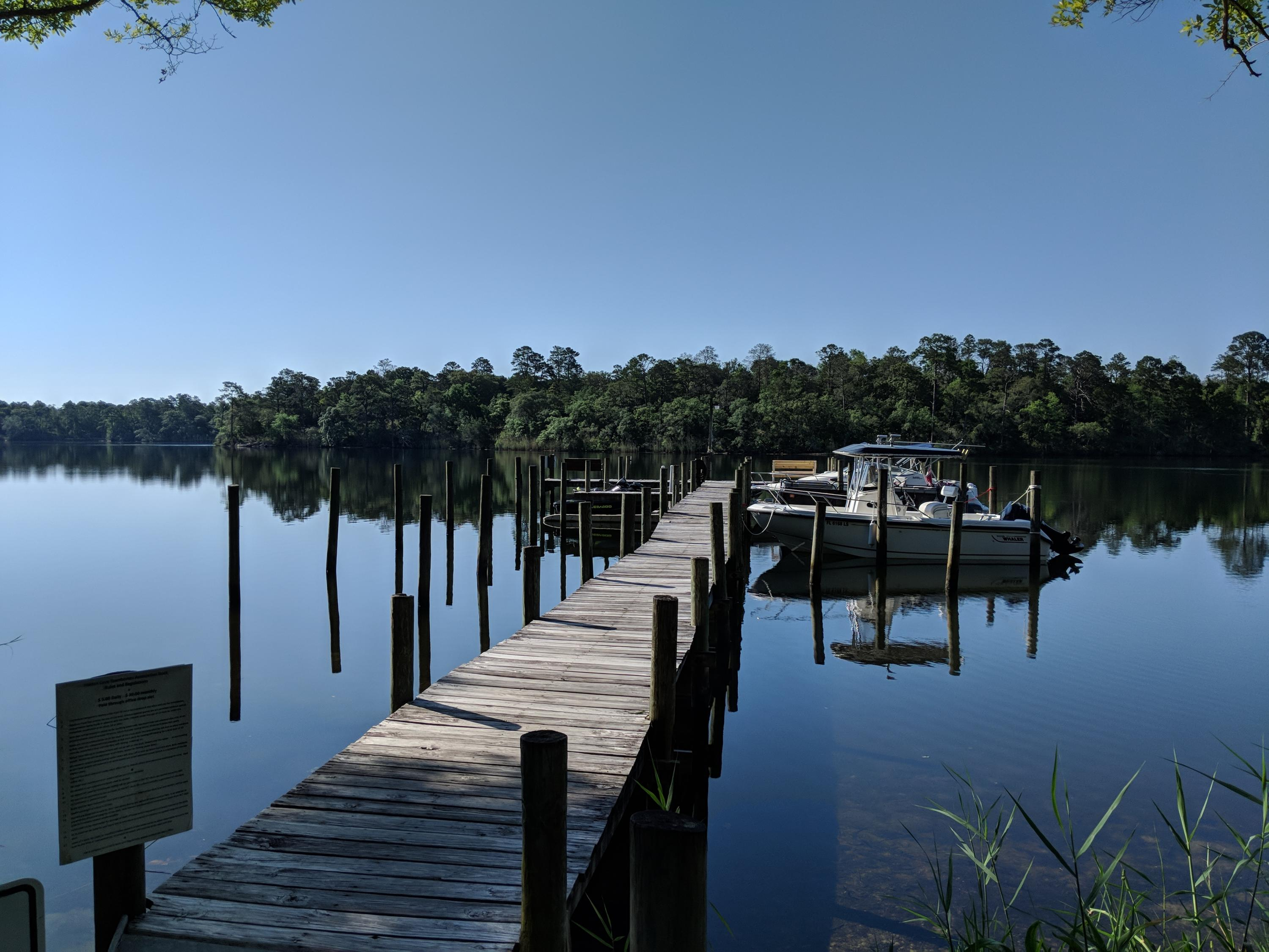 Photo of home for sale at 18 Hidden Cove, Valparaiso FL