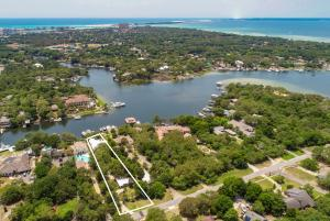 Property for sale at 717 Bayou Drive, Destin,  FL 32541