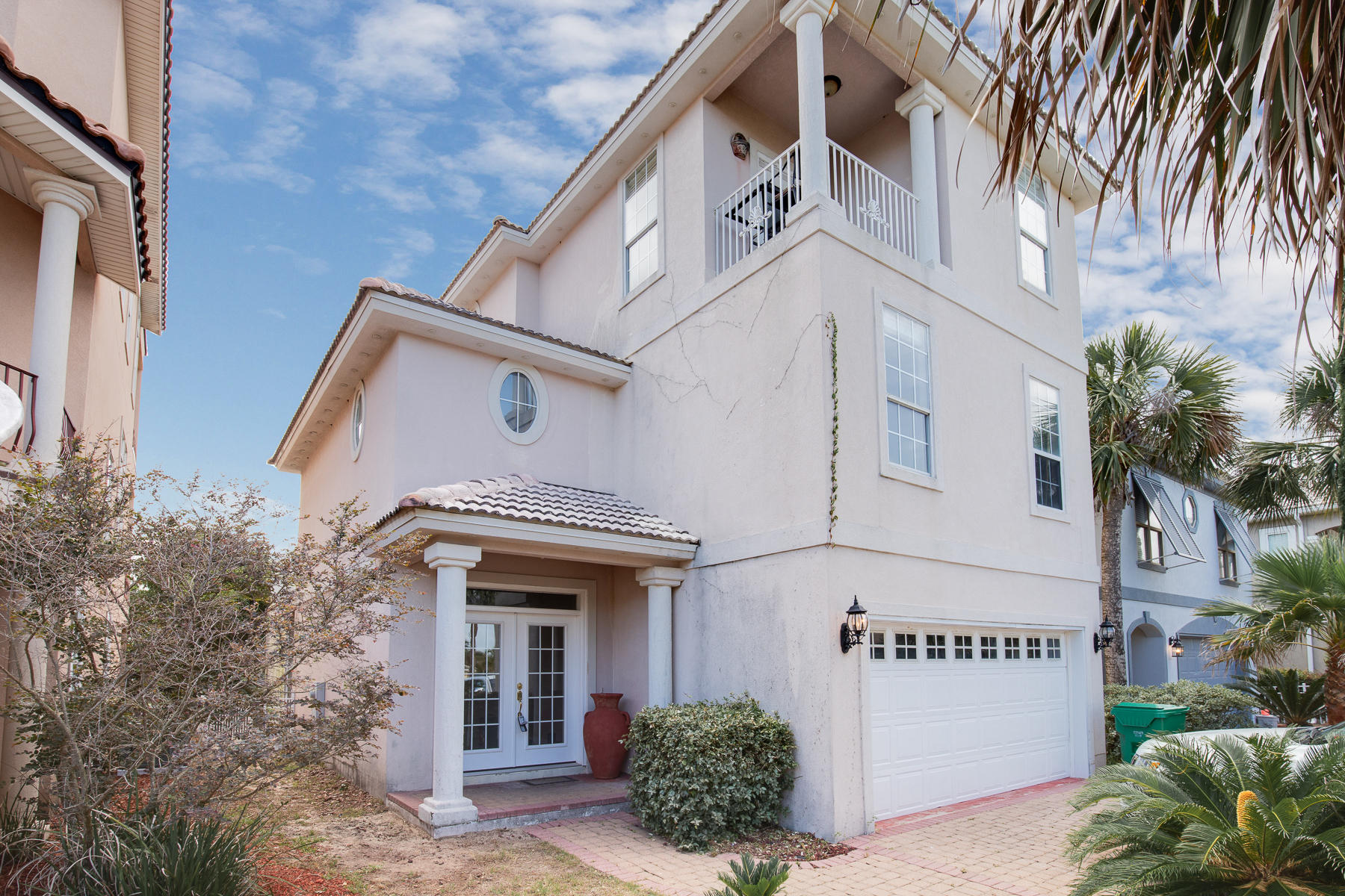 Photo of home for sale at 68 Terra Cotta, Destin FL