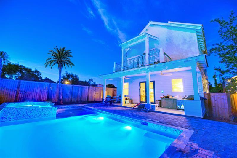A 8 Bedroom 8 Bedroom Crystal Beach Home