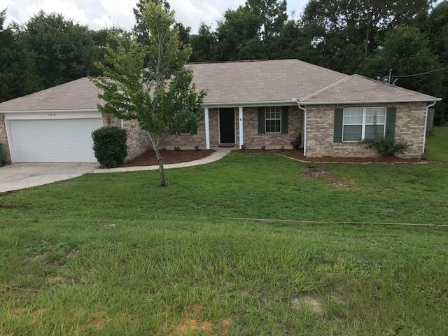 Photo of home for sale at 1319 Jeffrine, Crestview FL