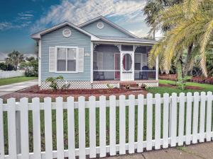 Property for sale at 114 Crystal Beach Drive, Destin,  FL 32541