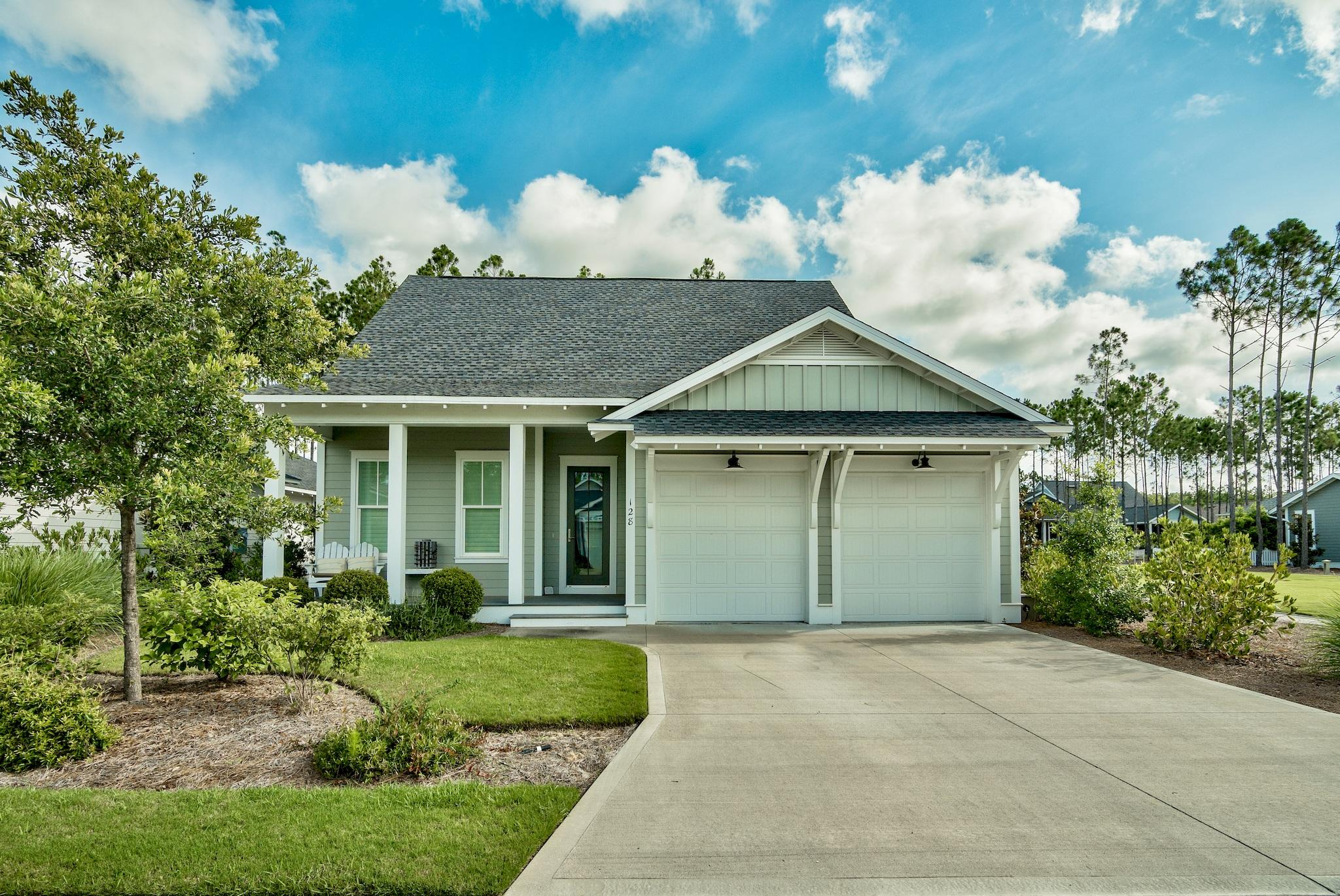 Photo of home for sale at 128 Jack Knife, Inlet Beach FL