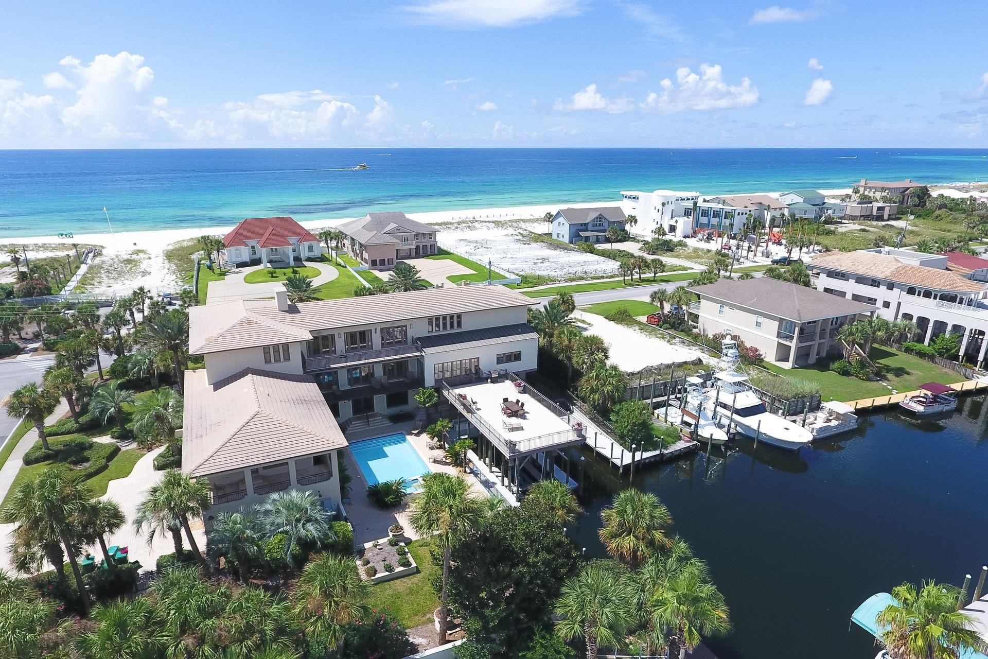 627  Gulf Shore Drive, Destin, Florida