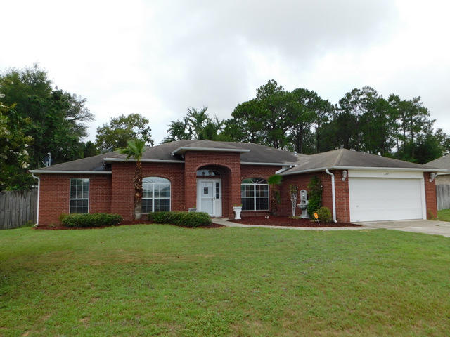 Photo of home for sale at 227 Trish, Crestview FL