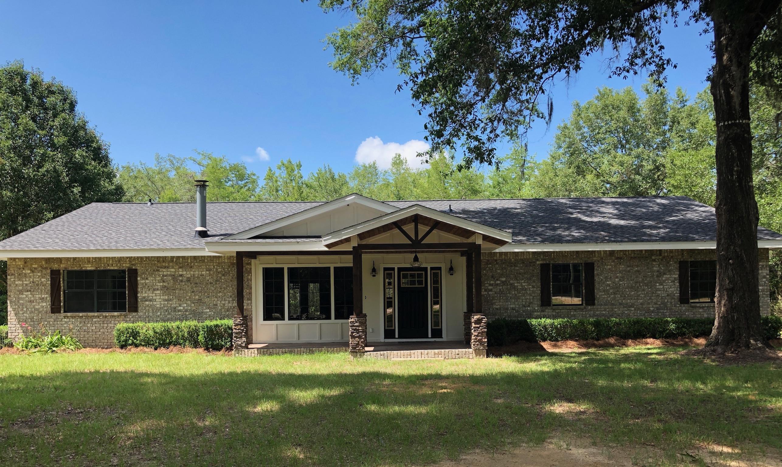 Photo of home for sale at 975 Blue Pond, Ponce De Leon FL