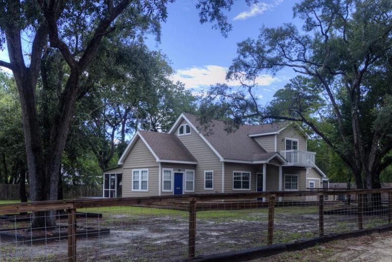 Photo of home for sale at 464 Don Bishop, Santa Rosa Beach FL